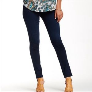 J BRAND Skinny Leg Stretch Jeans in Dark Wash Ink